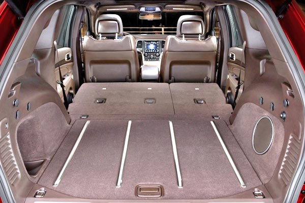 new jeep cherokee 2014 evolved suv for less than 23000. Black Bedroom Furniture Sets. Home Design Ideas