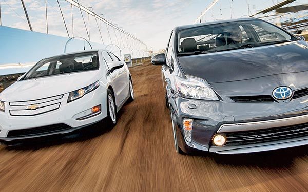 Whats Cheaper To Drive Toyota Prius Plug In Or Chevy Volt