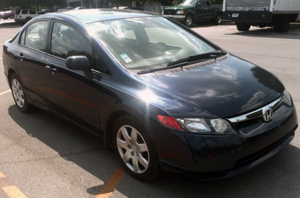 <strong>2008 HONDA CIVIC LX - Asking Price: $7,900</strong> —Wow! another great deal for sale by owner! this 4-dr, blue color, with automatic transmission has only <span class='u'>51k miles</span>, in other words, it is still like new and could be yours for less than $8000. If you are interested on this Civic LX 2008, it is for sale in <span class='u'>Nashville, Tennessee</span> and you can contact its owner at 615-500-3601.