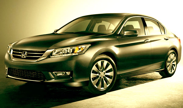 <strong>The 2013 Honda Accord</strong> is one of the most famous sedans of the market in the medium segment, which in its current generation became a large sedan due to its bigger interior space and because the extreme and aggressive competition created primarily for South Korea and domestic brands like Chevrolet and Ford.