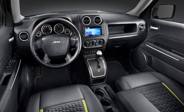 http://www.autopten.com/carforum/images/2013-jeep-patriot-SUV-interior.jpg