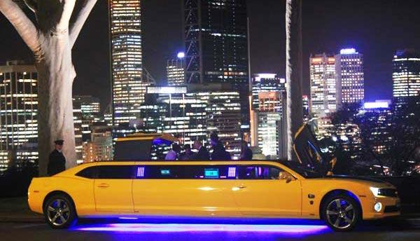 http://www.autopten.com/carforum/images/chevrolet-camaro-bumblebee-limo-15.jpg