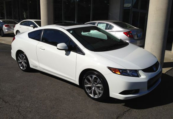 http://www.autopten.com/cheapcarsimg/2012-honda-civic-si-white-by-owner.jpg
