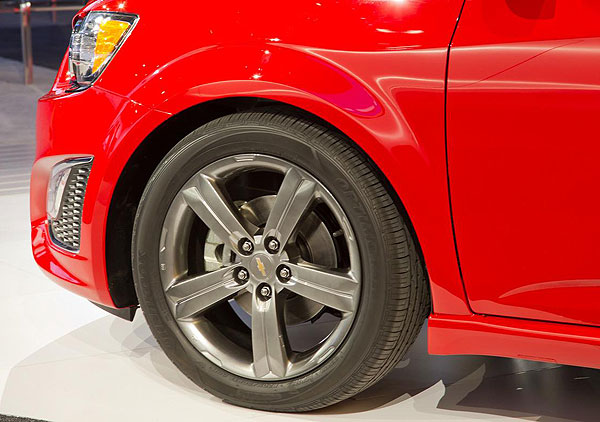 Rims of the Chevrolet Sonic RS version