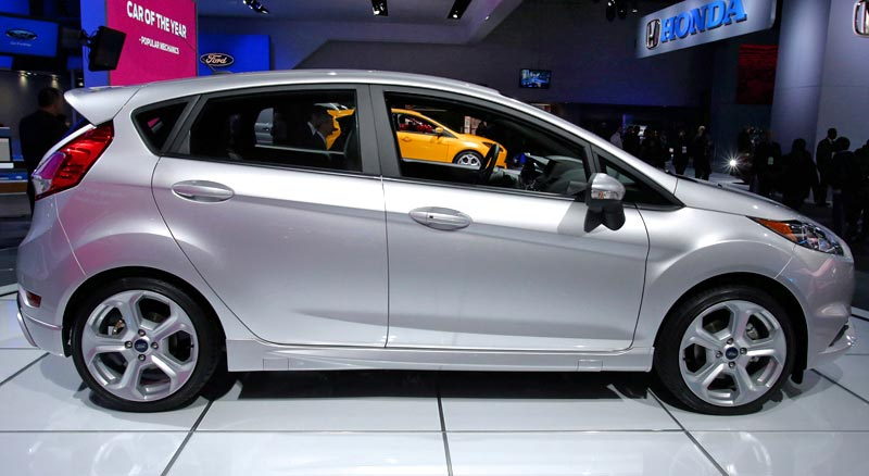 http://www.autopten.com/cheapcarsimg/2013-ford-fiesta-st-detroit-autoshow.jpg