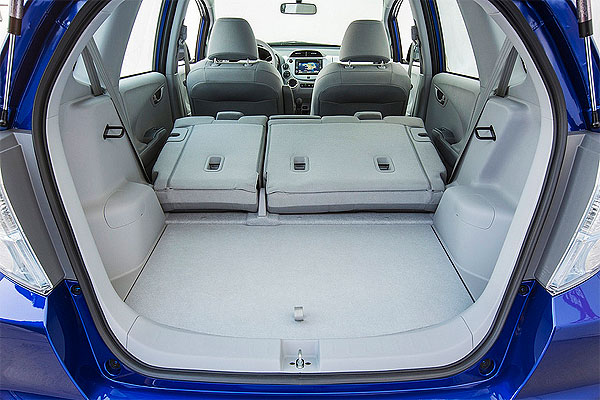 2013 Honda Fit Interior Space Male Models Picture