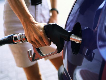 http://www.autopten.com/cheapcarsimg/EPA-fuel-efficiency-fuel-economy-gas-station.jpg