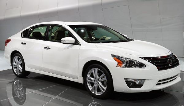 http://www.autopten.com/cheapcarsimg/New-2013-Nissan-Altima-white.jpg