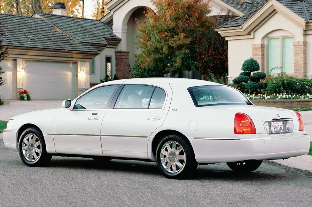 <strong>2003 Lincoln Town Car.</strong> The Town Car remained virtually unchanged during its last nine years of production.