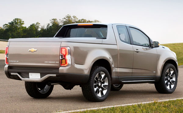 http://www.autopten.com/cheapcarsimg/new-2013-chevrolet-colorado-pickup-rear.jpg