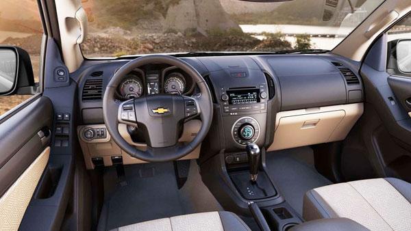 http://www.autopten.com/cheapcarsimg/new-chevrolet-colorad-driver-cabin.jpg