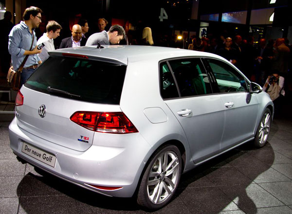 http://www.autopten.com/cheapcarsimg/new-volkswagen-golf-7-rear.jpg