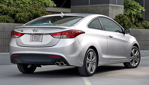 Rear, Back, Lateral View: Hyundai Elantra Coupe 2013 Silver