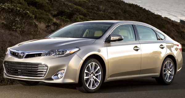 2013 Toyota Avalon Limited Picture.