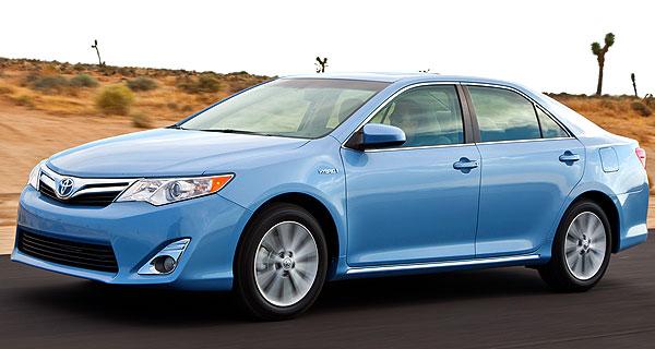 Toyota Camry Hybrid XLE midsize car