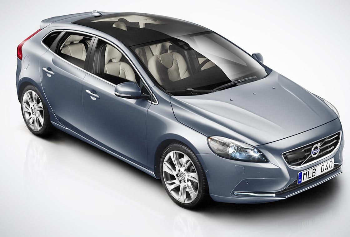 The new Volvo V40 is designed so that you live your life. This car will never be ordinary, but always fashinable and fabulously fun. Elegant lines with a lot of expressiveness and cleanliness, fine finishes and latest technology to serve the occupants, are the elements that can be used to understand the experience with the V40.