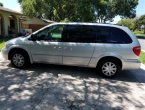 2005 Chrysler Town Country under $3000 in Florida