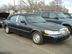2001 Lincoln TownCar under $5000 in Michigan