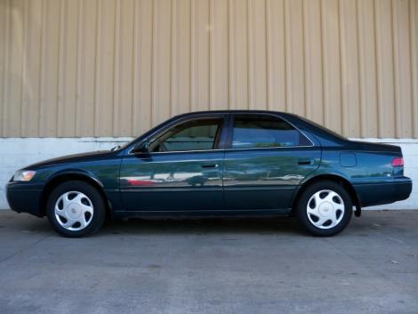 used toyota camry le 1997 under 5000 in raleigh nc. Black Bedroom Furniture Sets. Home Design Ideas