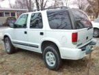 2000 Chevrolet Blazer under $2000 in Illinois