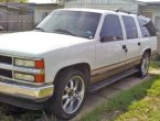 1999 Chevrolet Suburban under $2000 in Texas