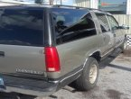 1999 Chevrolet Suburban under $2000 in Florida