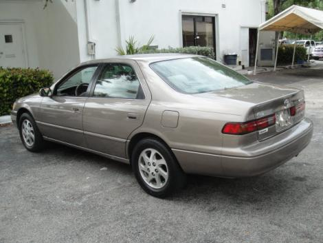 used toyota camry le 39 99 for sale under 5000 in south fl. Black Bedroom Furniture Sets. Home Design Ideas