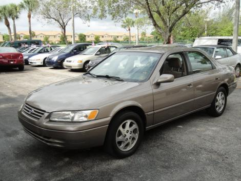 Used Toyota Camry LE '99 For Sale Under $5000 in South FL ...