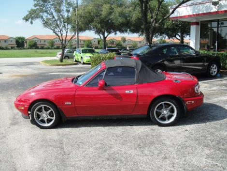 used 1995 mazda mx 5 miata convertible for sale in fl. Black Bedroom Furniture Sets. Home Design Ideas