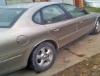 2004 Ford Taurus under $2000 in Indiana