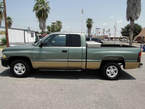 Photo #2: truck: 2000 Dodge Ram (Green)