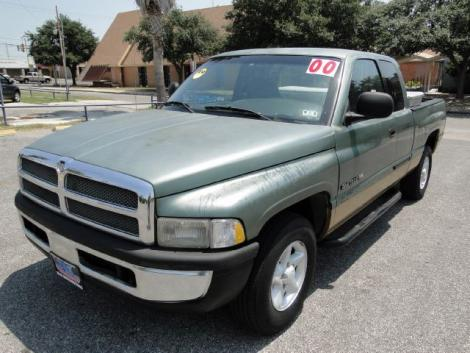 Photo #3: truck: 2000 Dodge Ram (Green)