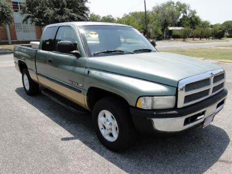 Photo #4: truck: 2000 Dodge Ram (Green)