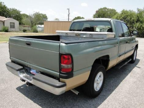Photo #5: truck: 2000 Dodge Ram (Green)