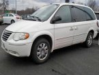 2006 Chrysler Town Country under $3000 in Ohio