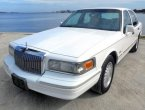 1997 Lincoln TownCar under $2000 in California