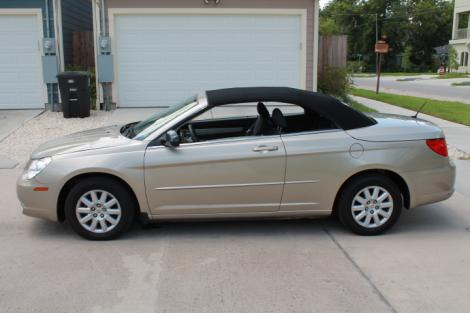 Photo #12: convertible: 2009 Chrysler Sebring (Beige)
