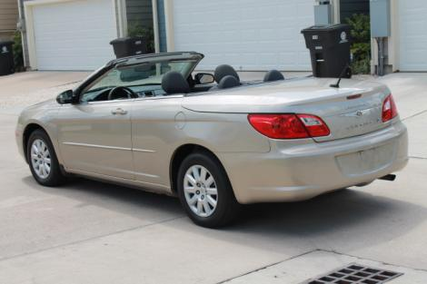 Photo #4: convertible: 2009 Chrysler Sebring (Beige)