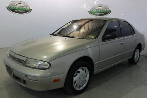 Photo #3: sedan: 1997 Nissan Altima (Tan)