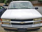 2001 Chevrolet Tahoe under $2000 in North Carolina