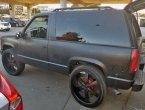 1998 Chevrolet Tahoe under $2000 in California