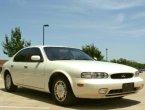 1994 Infiniti J30 (White)