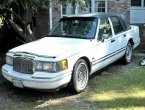 1993 Lincoln TownCar under $2000 in Virginia