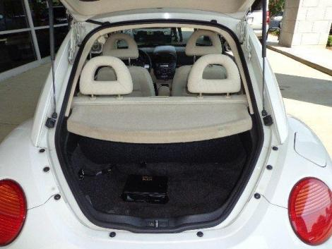 photo 2 coupe 2002 volkswagen beetle white. Black Bedroom Furniture Sets. Home Design Ideas