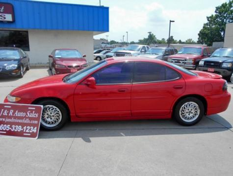 sporty nice car under 1500 used pontiac grand prix gt in sd red. Black Bedroom Furniture Sets. Home Design Ideas