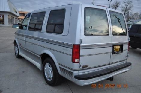 1994 chevrolet astro cargo van for sale under 3000 in des. Black Bedroom Furniture Sets. Home Design Ideas