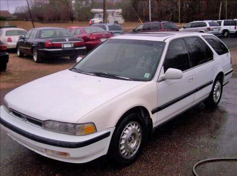 Photo #8: station wagon: 1991 Honda Accord (White)