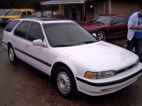 Photo #1: station wagon: 1991 Honda Accord (White)