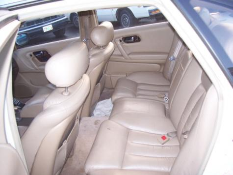 Photo #11: luxury sedan: 1994 Infiniti Q45 (White Cream)