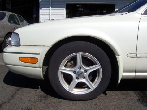 Photo #2: luxury sedan: 1994 Infiniti Q45 (White Cream)
